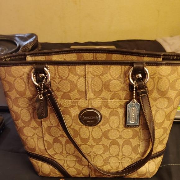 Coach Handbags - Coach Purse 👛